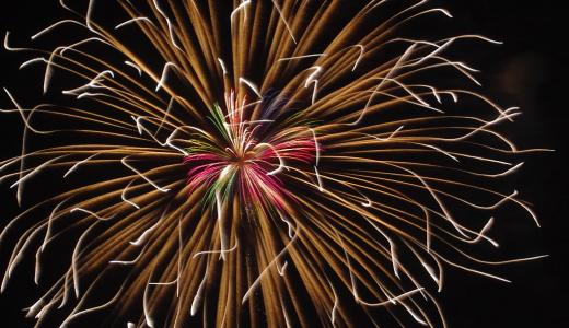 iPhoneのカメラで花火を撮影する時の綺麗に撮る4つの鉄則【新説?常識?】