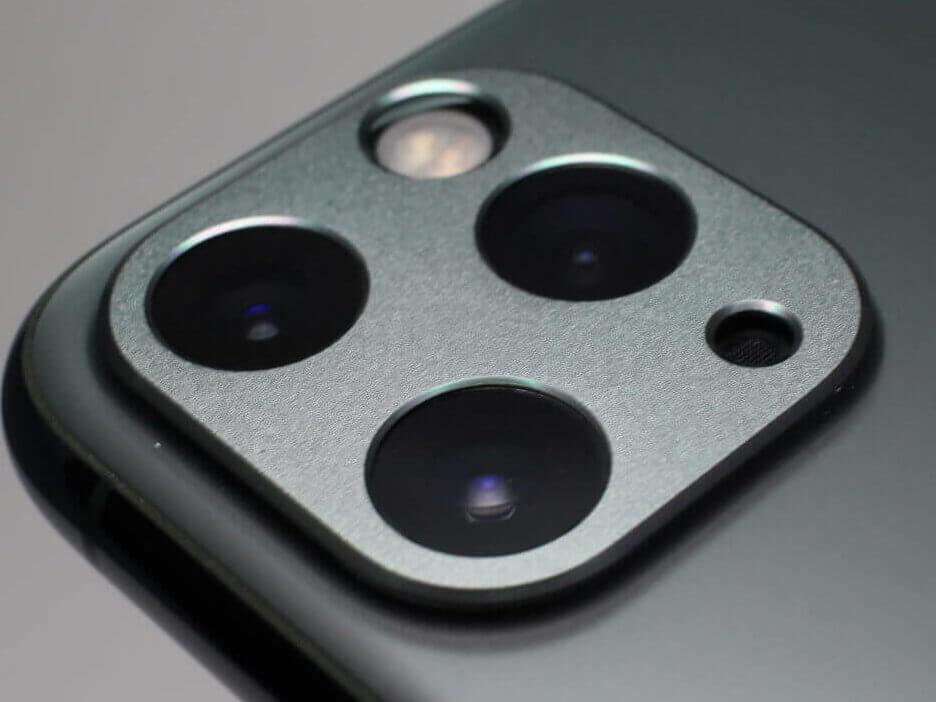 カメラレンズを覆わないタイプのレンズカバーを試す
