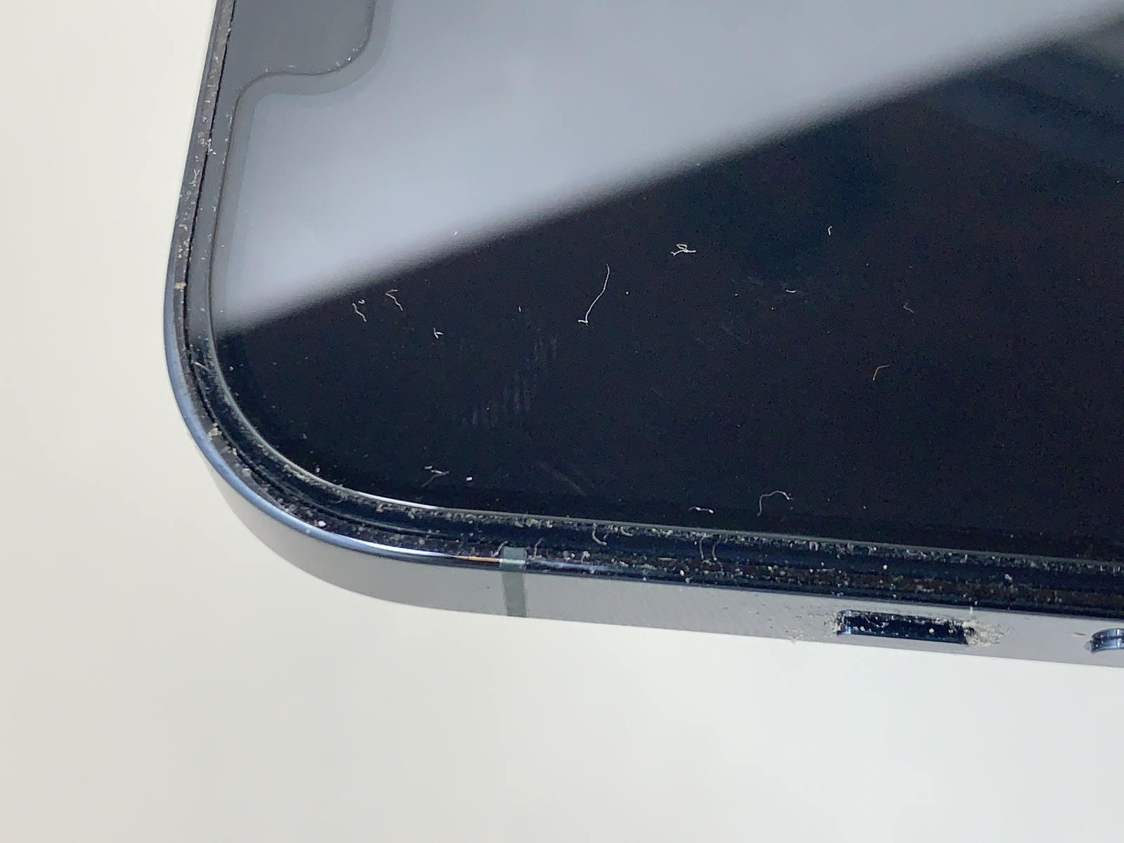 iphone12-cleaning-02-photo-003
