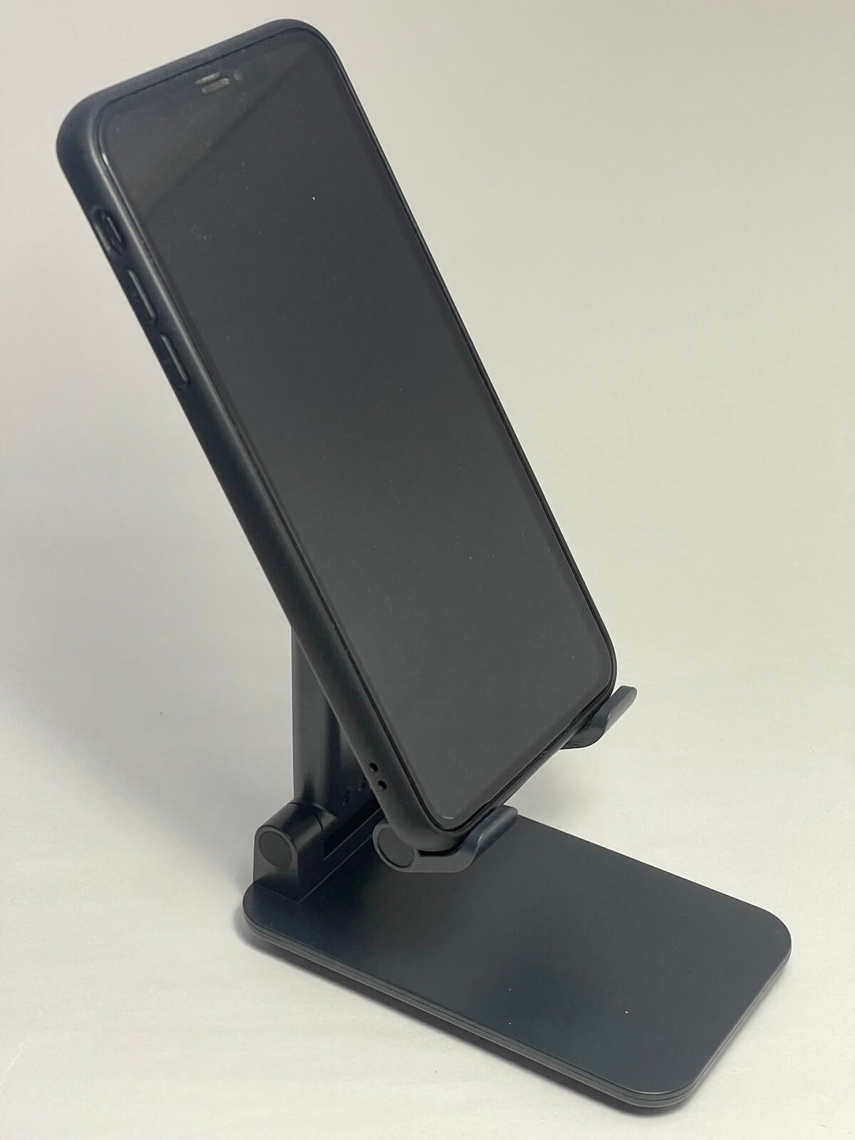 iphone12-stand-01-photo-008