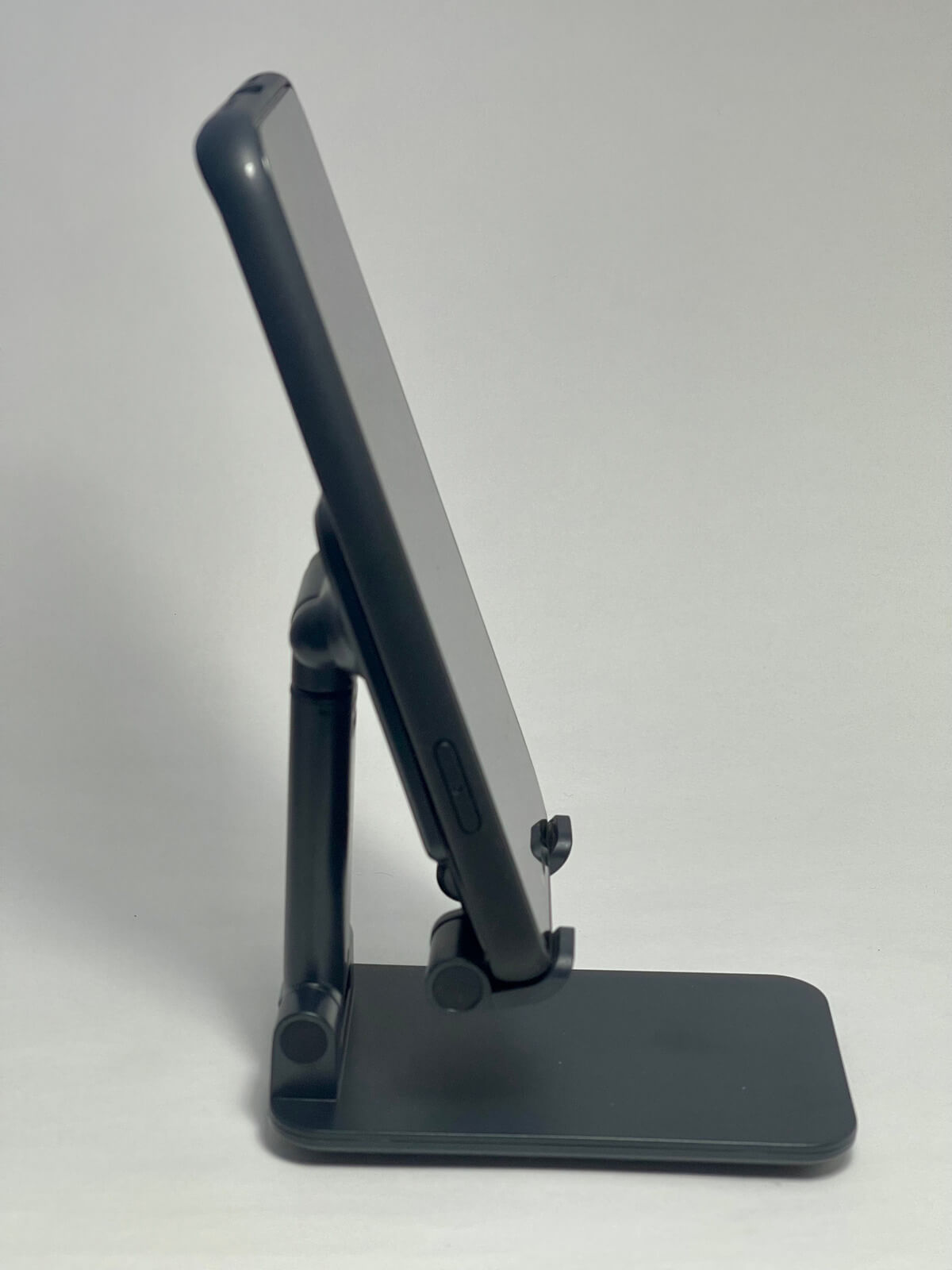 iphone12-stand-01-photo-011