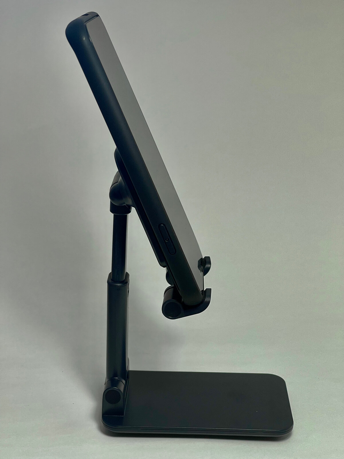 iphone12-stand-01-photo-017