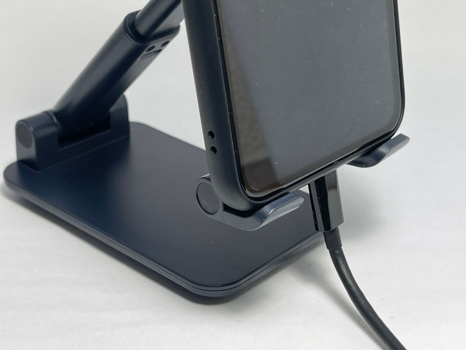iphone12-stand-01-photo-024