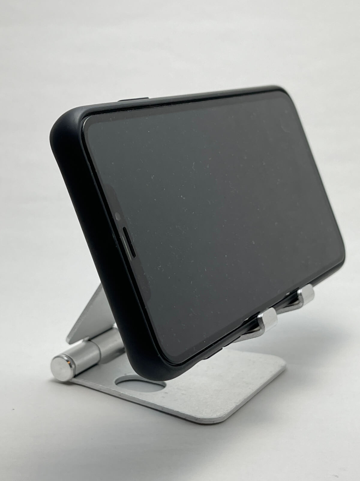 iphone12-stand-03-photo-002