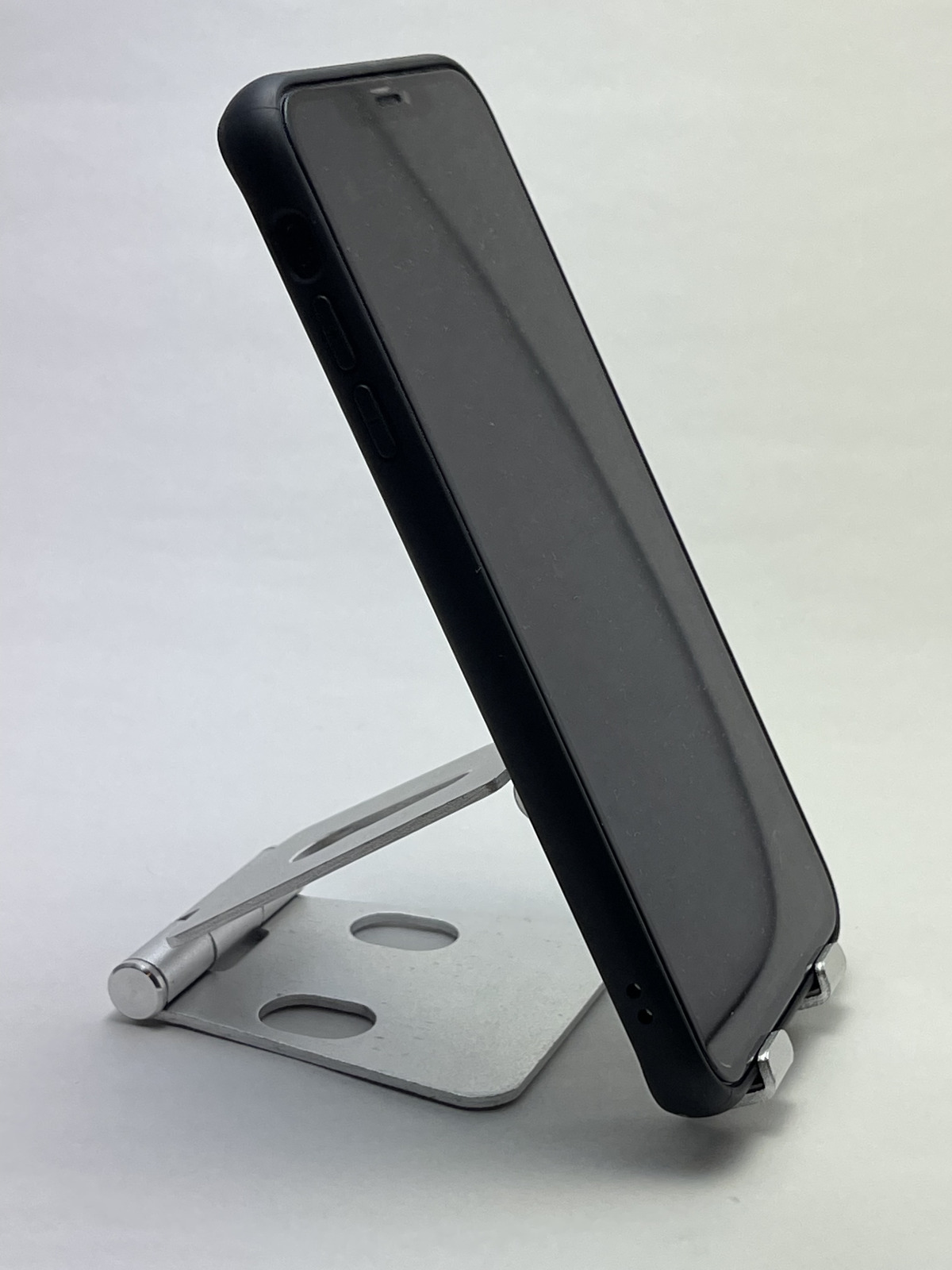 iphone12-stand-03-photo-012